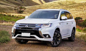 Обзор Mitsubishi Outlander PHEV 2018