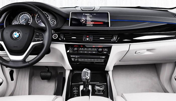 салон автомобиля BMW X5