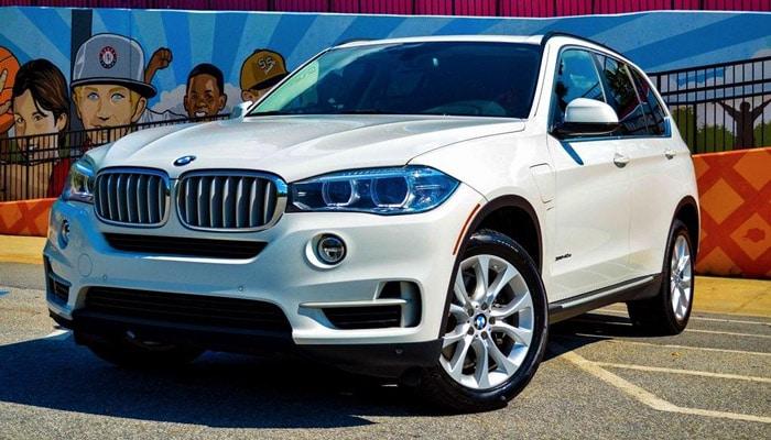 фото белая BMW X5