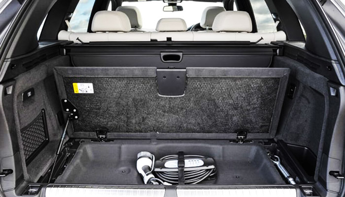 фото багажника BMW X5 hybrid