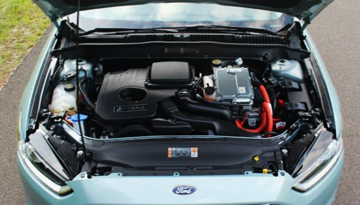фото под капотом у ford fusion