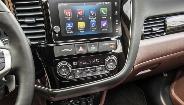 коммуникационная система Mitsubishi Outlander PHEV