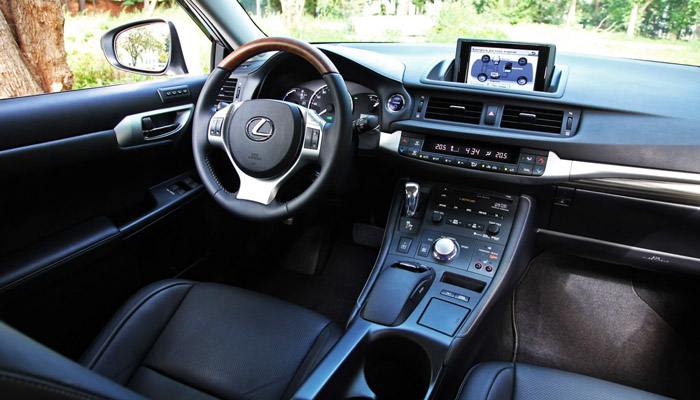 фото салона Lexus CT 200h