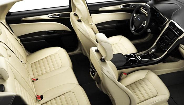 Ford Fusion Hybrid SE внутри