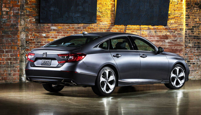 фото сзади Honda Accord Hуbrid