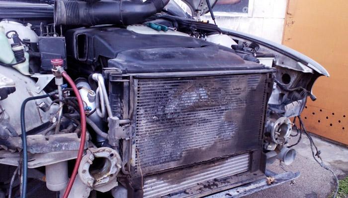 запах и поломка радиатора