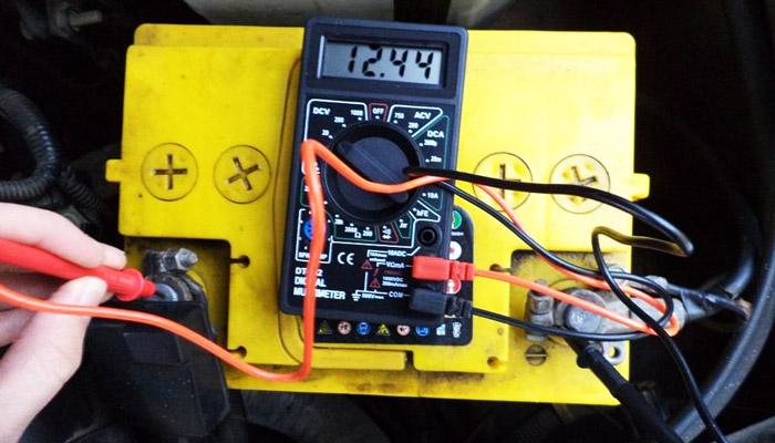 фото аккумуляторная батарея автомобиля