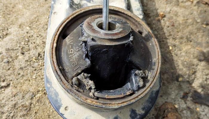 фото подушки двигателя