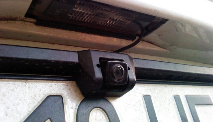 камера над номером авто