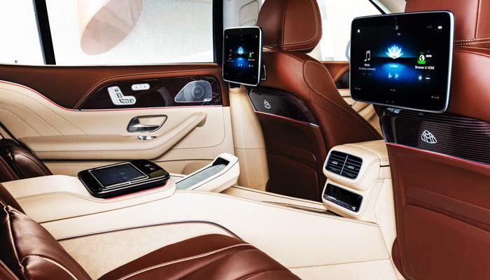 задний ряд авто Mercedes Maubach