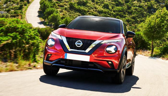 фото Nissan Juke в езде