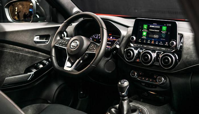 дизайн салона Nissan Juke