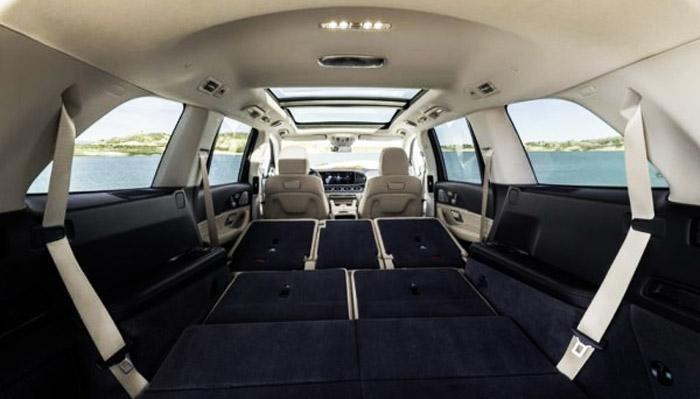 салон и багажник Mercedes 63