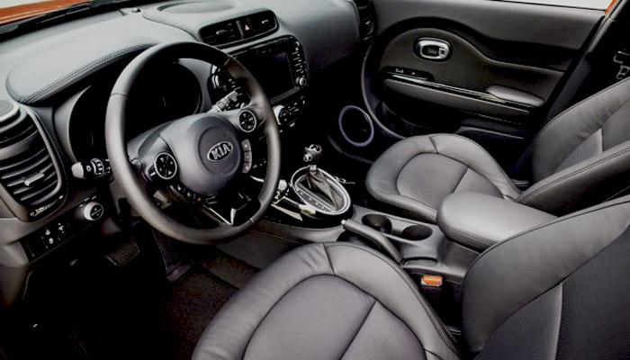 фотография салона гибридного автомобиля kia soul